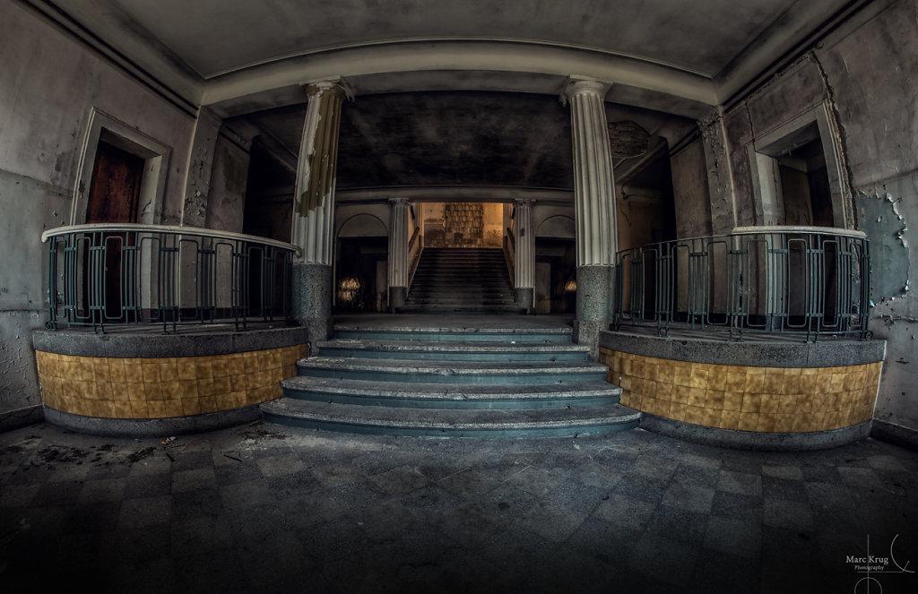 The Entrance HDO