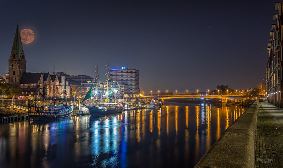 Supermond on the Weser